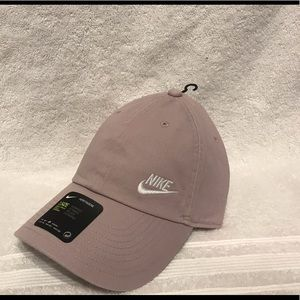 🌸 2 for $25 🌸 Nike heritage performance cap